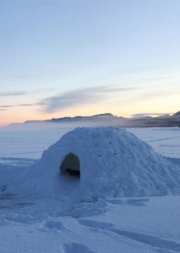 چگونگی ساخت غار برفی در سه دقیقه