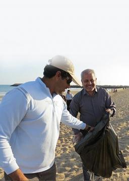 پاکسازی ساحل خلیج فارس